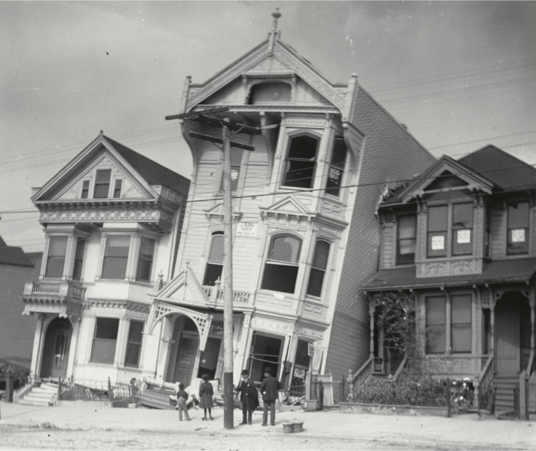 Houses that tilted and sunk in the 1906 earthquake (Courtesy of the Bancroft Library, U.C. Berkeley)