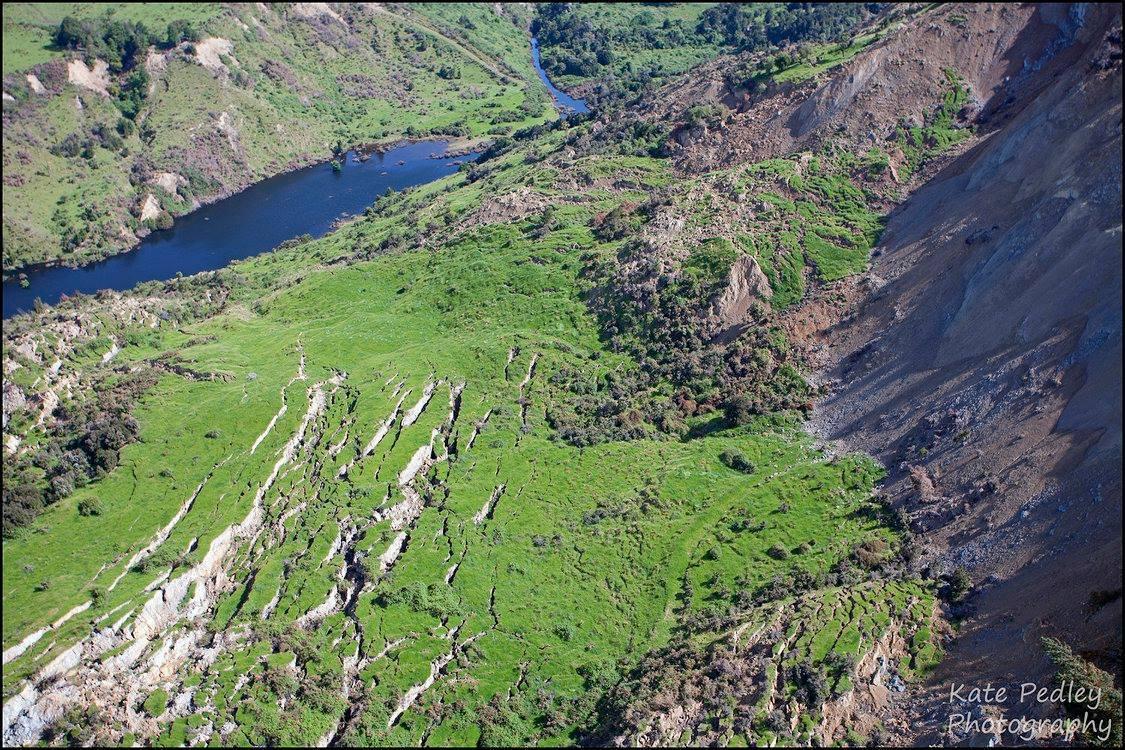 kaikoura-new-zealand-earthquake-fault-rupture-landslide