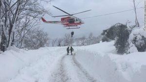 italy-earthquake-rescue
