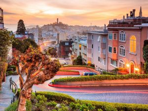 San-Francisco-residential-neighborhoods-lombard-street