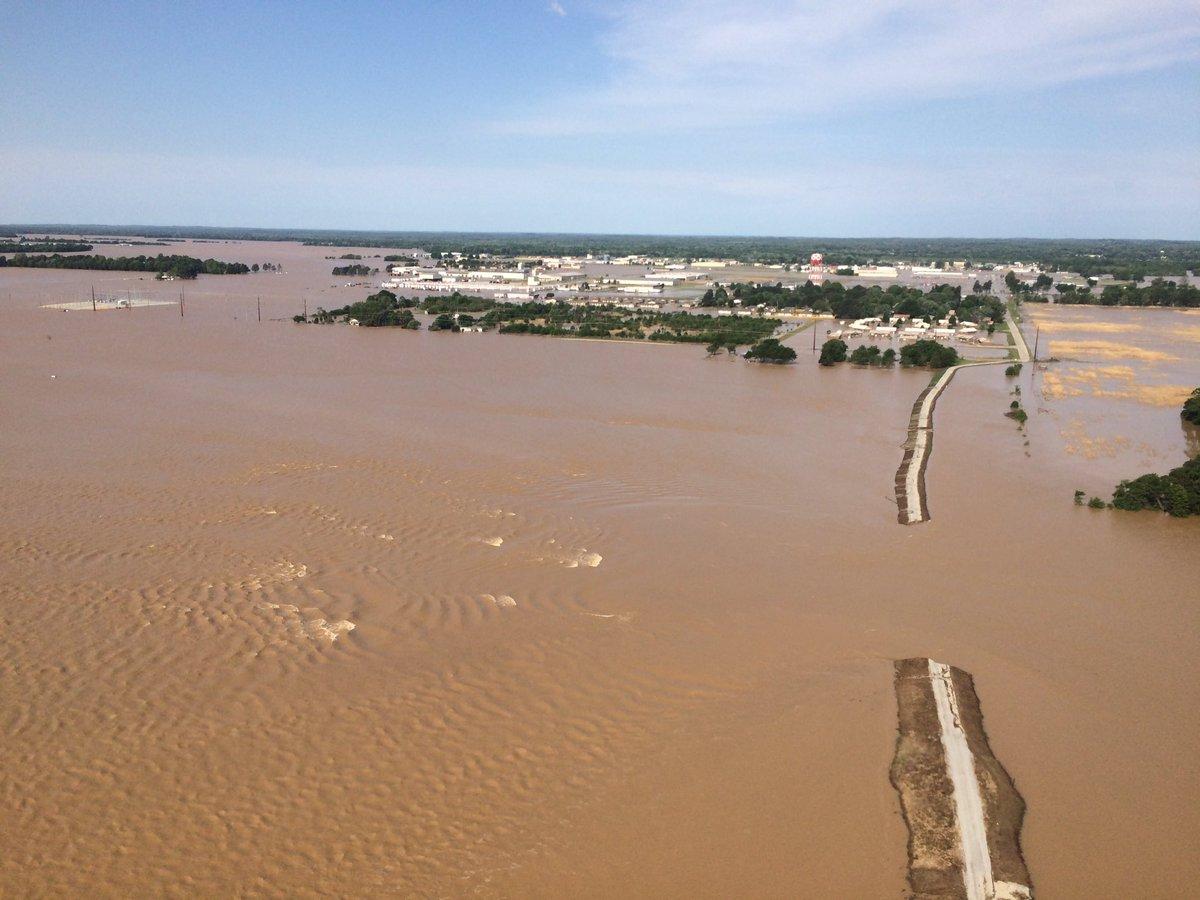 pocahontas-flooding-breached-levee