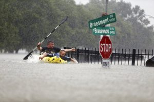 texas-flooding-evacuation