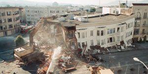 Un edificio con niveles débiles en San Francisco que colapsó en el terremoto de 1989 de Loma Prieta. (Foto de: Examinador de San Francisco)