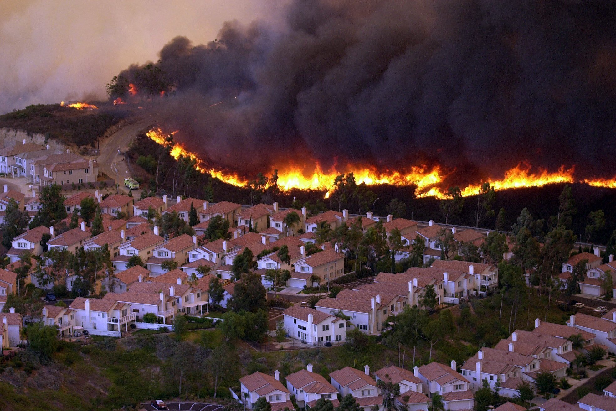 The Cedar Fire in 2003 prompted Dr. Kent to wonder how we could better monitor fires to hopefully prevent large-scale tragedies.(Photo from: The San Diego Union-Tribune)