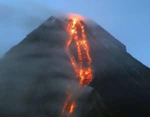 mayon-volcano-eruption