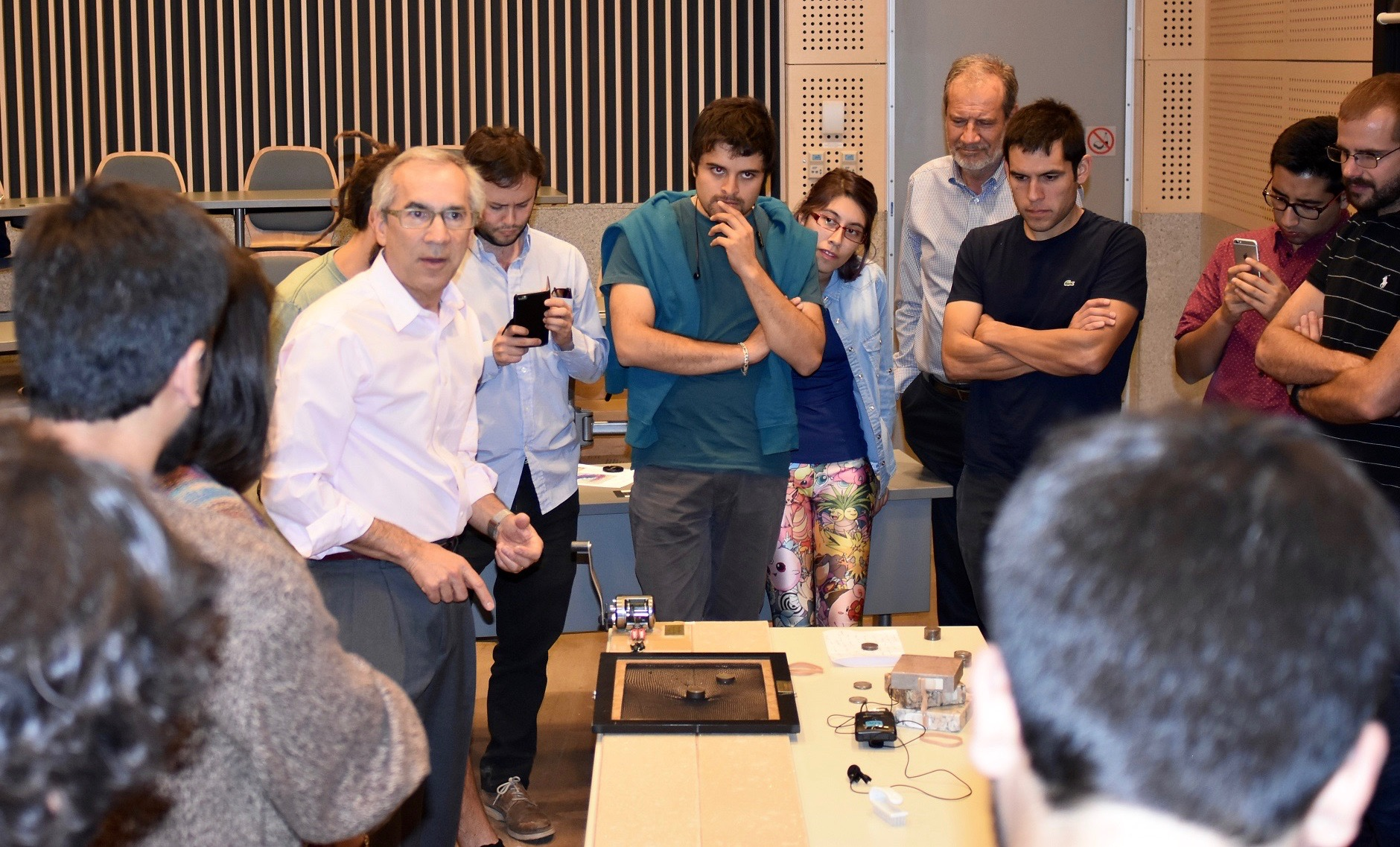 Temblor CEO Ross Stein giving the Fishnet Stocking Stress demo at the Universidad de Chile as part of the 2018 GSA Distinguished International Lecture Tour.