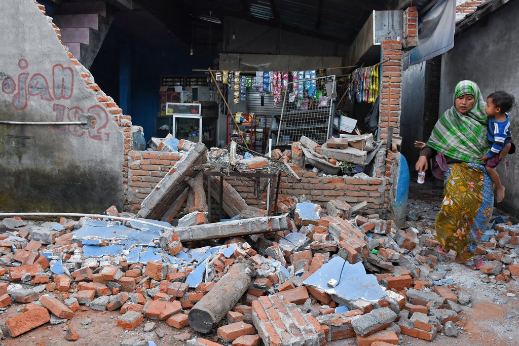 indonesia earthquake damage