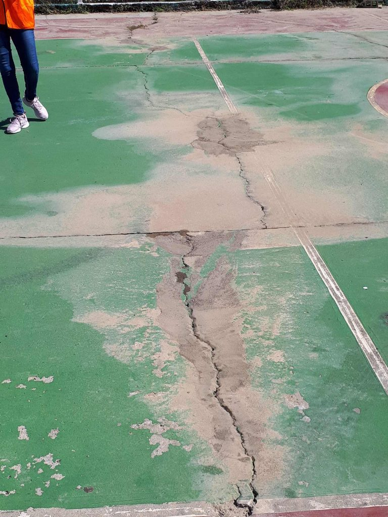 Liquefaction in basketball court, Playa Guayanilla. Credit: Stephen Hughes