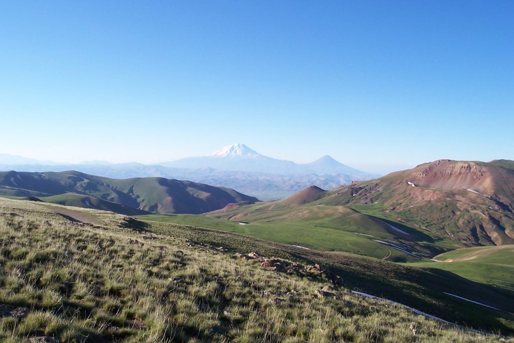 A photo of the landscape near the Turkey-Iran border, not far from the February earthquake cluster. Mount Ararat is in the background. Credit: ahmet soyak (CC BY 3.0)