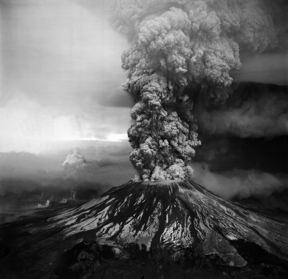 Mount St. Helens erupting on May 18, 1980. Credit: USGS