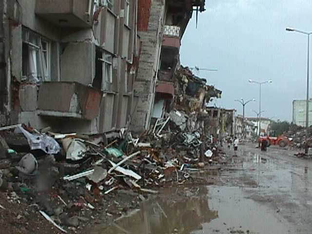 Buildings destroyed in the 1999 Izmit earthquake