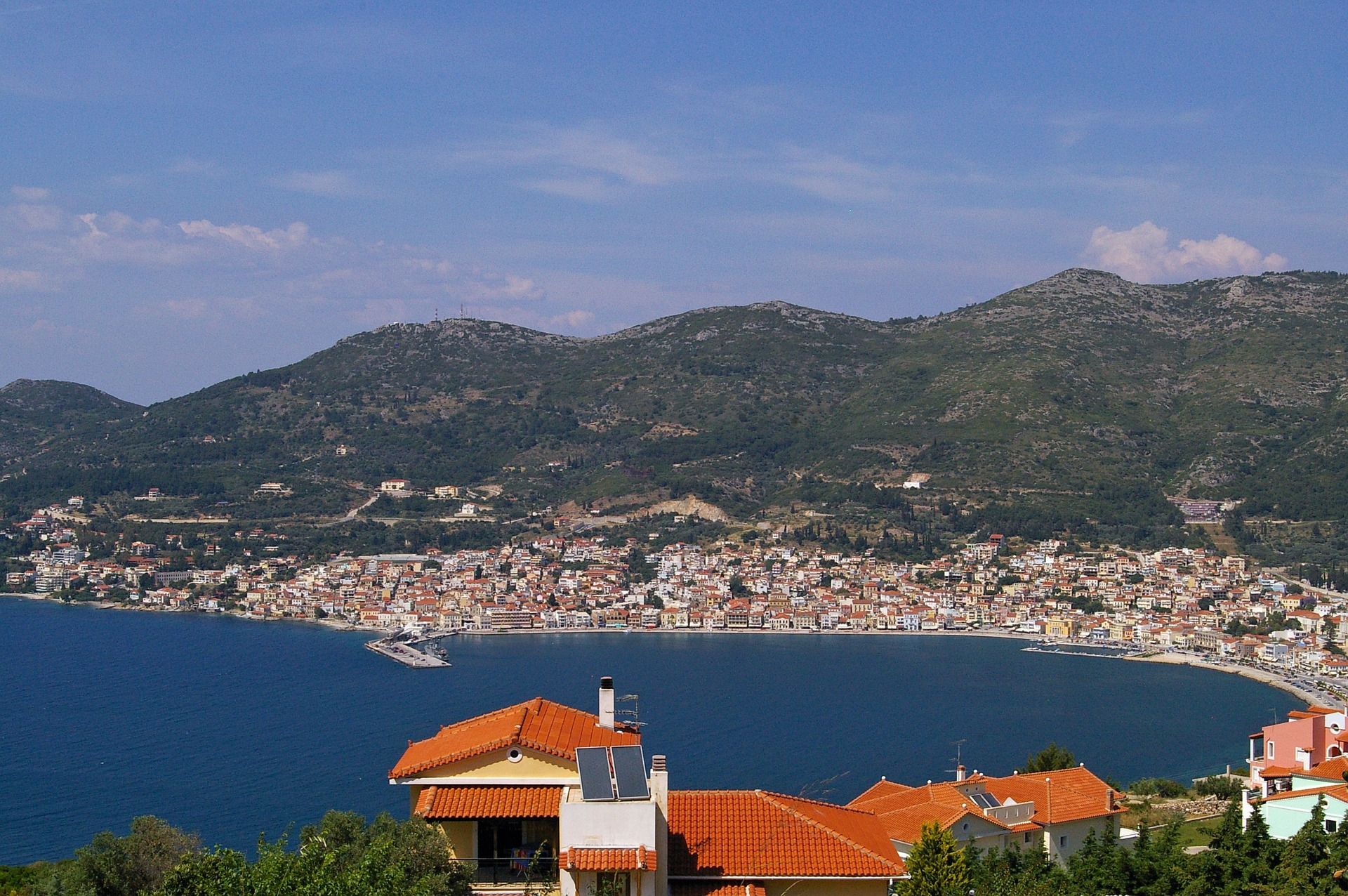 "Yunanistan'ın Samos Adası Cuma günü tsunamiyle sonuçlanan bir depremle sarsıldı, 30 Ekim Bilgi: <a href=""https://pixabay.com/users/kriemer-932379/?utm_source=link-attribution&utm_medium=referral&utm_campaign=image&utm_content=867143"">Kerstin Riemer</a>, <a href=""https://pixabay.com/?utm_source=link-attribution&utm_medium=referral&utm_campaign=image&utm_content=867143"">Pixabay</a>"