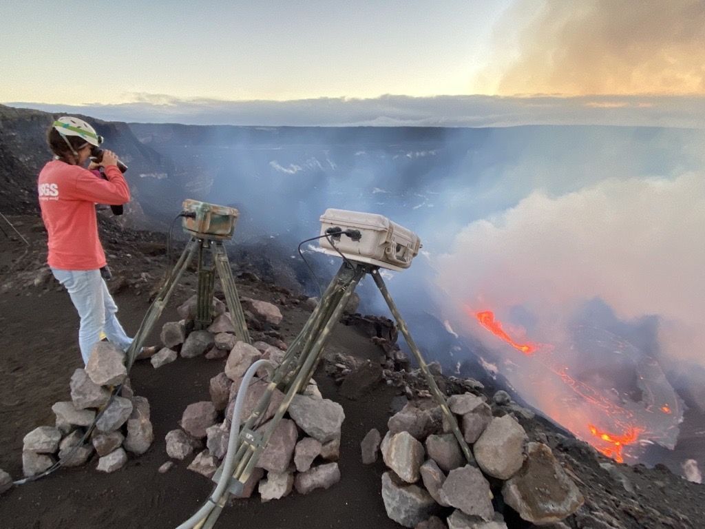 Scientists are continuously monitoring Kīlauea's eruption. Credit: USGS