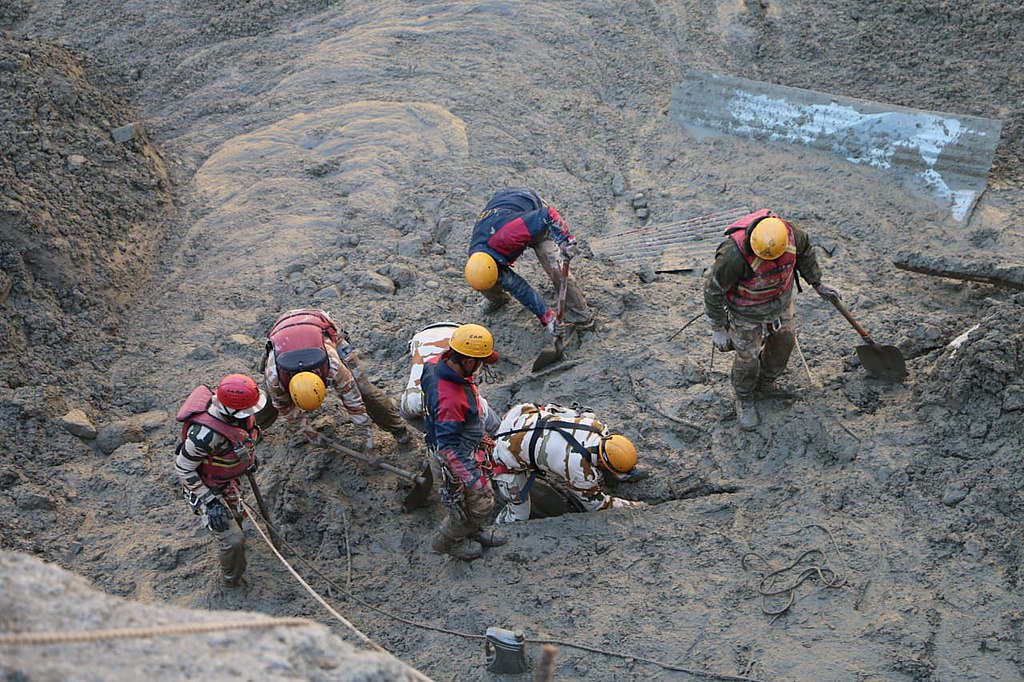 Another photo of the rescue operation after the Chamoli 2021 disaster. Credit: Press Information Bureau, India, CC0, via Wikimedia Commons